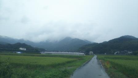 今から向かう十坊山は雲の中