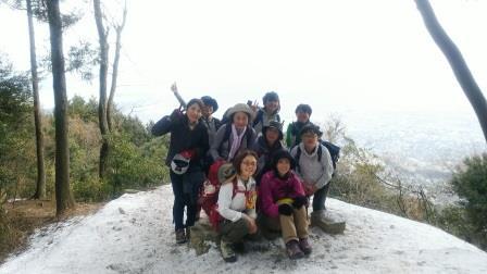 叶岳の展望ポイント。雪!!