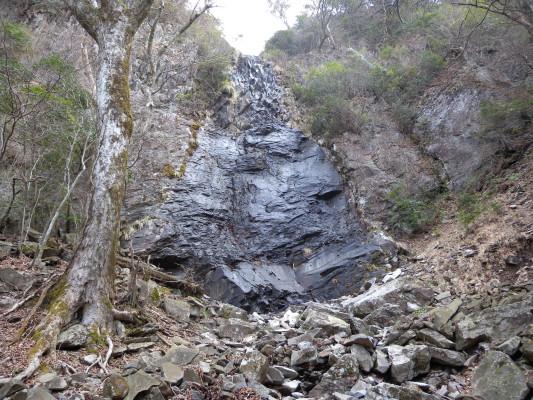四王寺の滝(未結氷)