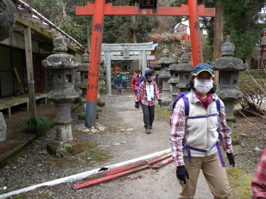 大根地神社の下