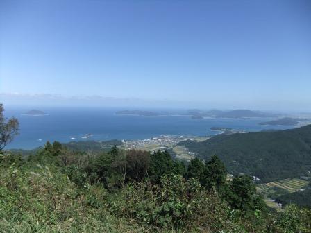 山頂からの海